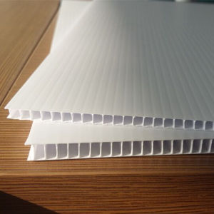 China Manufacturer 4′x8′ Corrugated Plastic Sheet/Corflute Sheet pictures & photos