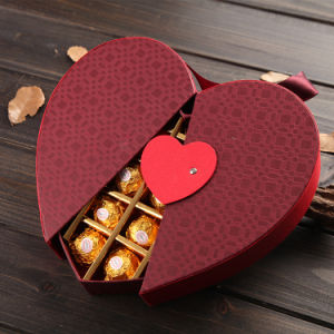 Custom Paper Fancy Chocolate Boxes Wholesale Heart Shape with Lock pictures & photos