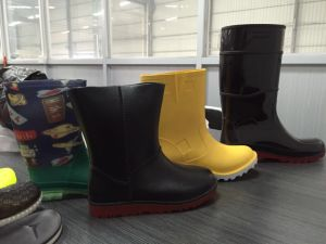 Kclka Automatic PVC Double Color Rainboot Injection Molding Machine pictures & photos