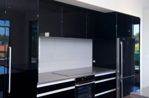 High Gloss Black Color Kitchen Cabinet with Island pictures & photos