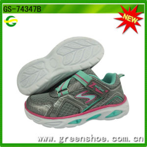 New Arrival Children Kids Sport Running Shoes with LED Light (GS-74347) pictures & photos