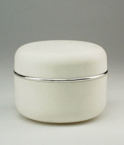 Cosmetic Jars White with Colorful Caps pictures & photos