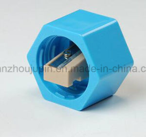 OEM Plastic Water Bottle Cap Pencil Sharpener pictures & photos