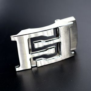 Custom Silver Metal Release Adjustable Men Automatic Stainless Steel Belt Buckle with Carving Logo pictures & photos