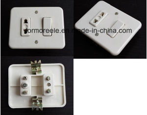 America Standard 220V 15A Iovry Peru Bakelite Electrical Wall Switch and Socket pictures & photos