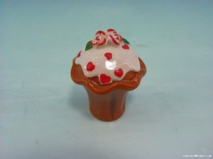 Eco-Friendly Mini Cake Shaped Ceramic Cookie Candy Jar pictures & photos