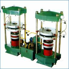 Playground Rubber Flooring Making Machine/Rubber Mat Manufacturing Machine pictures & photos