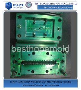 Plastic Injection Mould for Cannula Hub pictures & photos