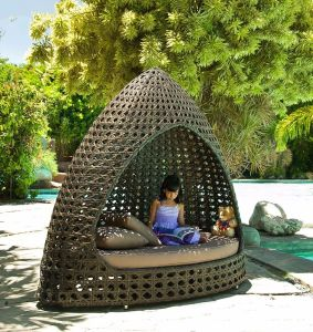 Fashionable Sunshine Lounge Beach Circular Garden Furniture Rattan Sunbed T689 pictures & photos