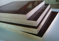 Black Film Faced Plywood with Poplar Core pictures & photos