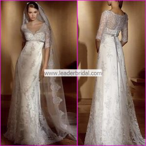 V-Neck Sheer Lace Wedding Dress 3/4 Sleeves Sheath Bridal Wedding Gown L201502 pictures & photos