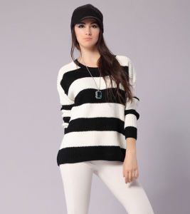 Ladies Fashion Acrylic Knitted Black/White Striped Sweater (YKY2018) pictures & photos