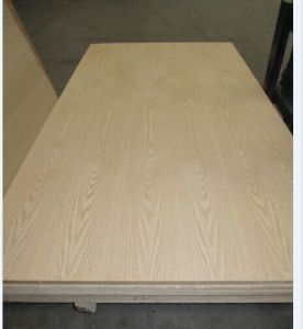 Factory for Natural Red Oak Fancy Door Size Skin Plywood Sale in South America 2.7mm-5mm pictures & photos