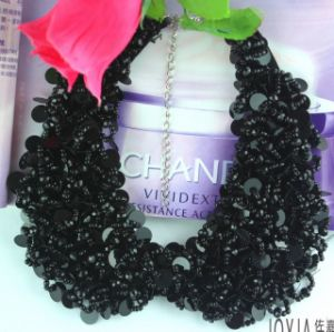 South Korean Luxury Crystal Neckline Necklaces Wholesale Fashion Jewelry pictures & photos