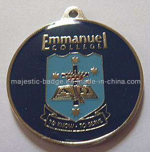 Customized Gold Plating Shield Medallion pictures & photos