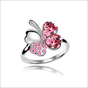VAGULA Four-Leaved Clover Rhinestone Fashion Silver Ring pictures & photos