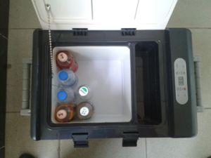 Competitive Price 95L Portable Compressor Solar Car Freezer pictures & photos