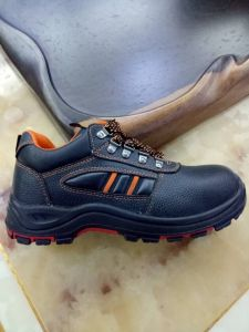 Low Cut PU+Rubber Outsole Shoes Industtial Shoes S3 Safety Shoe pictures & photos