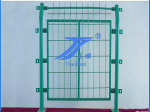 Hot Sale China Anping Good Quality Anti-Corrosion PVC Coated Frame Tube Metal Wire Mesh Fence pictures & photos