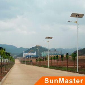 Solar LED Street Light (STL01-100W) pictures & photos
