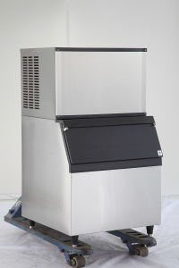 Ce Approved 200kg Stainless Steel Ice Cube Making Machine, Ice Maker pictures & photos
