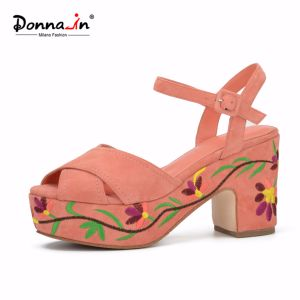 Lady Suede Leather Shoes High Heels Women Embroidery Platform Sandals pictures & photos