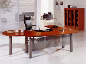 China Modern Office Furniture MFC Wooden MDF Office Table (NS-NW152) pictures & photos