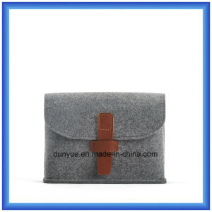 Factory OEM Wool Felt Portable Small Storage Handbag, Promotion Gift Packaging Briefcase Bag/Cosmetic Bag pictures & photos