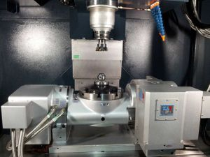 High Precision and Good Quality Four Axis CNC Machining Center pictures & photos
