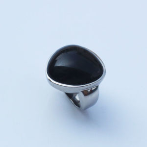 Flower Shape Ring with Black Stone pictures & photos