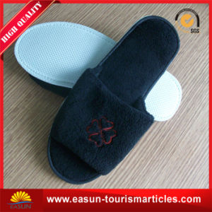 Hotel Slipper with Beautiful Printing $ Customer′s Logo pictures & photos