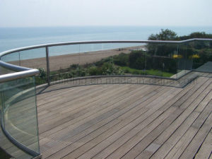 Curved Glass Railing for Outdoor Deck pictures & photos