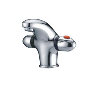 Single Lever Basin Faucet /Tap/Sanitary Ware/Thermostatic Faucet/Kitchen Faucet (CAG40275) pictures & photos