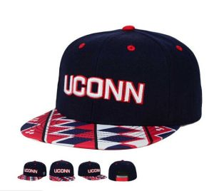 High Quality Stripe Embroidery Green Flat Bill Snapback Cap pictures & photos