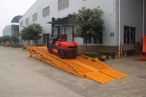 Hydraulic Loading Dock Ramp with High Quality pictures & photos