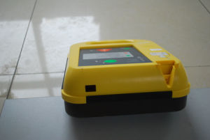 Semi-Automatic External Defibrillator with Infrared PC Transfer