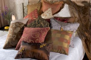 Various Cushion for Hotel Bedding pictures & photos