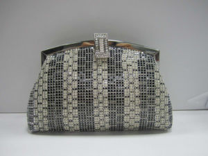 Evening Bag Clutch with Push Lock Opening pictures & photos