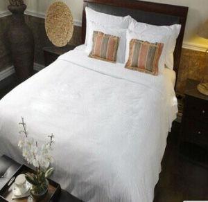 Hotel Luxury 100 % Cotton Super White Bedding Set pictures & photos