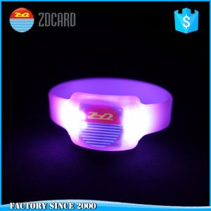 LED Waterproof Silicon RFID Proximity Tag Rubber Wristband pictures & photos