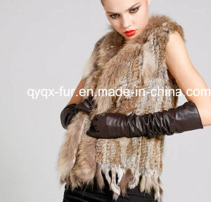 New Real Genuine Knit Rabbit Fur Vest with Raccoon Fur Gilet Waistcoat Winter Fur Jacket Tpvr0001 pictures & photos