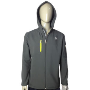 Men Fashion Windproof Softshell Jacket pictures & photos