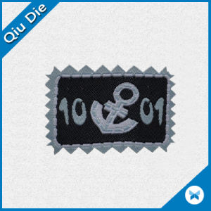 on Sale Professionally Supply Kids Clothing Woven Label pictures & photos