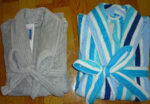 Cheapest Solid Color&Printed Children&Adult Coral Fleece Bathrobe pictures & photos