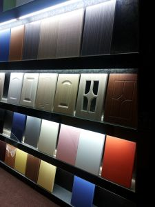 High Glossy 15mm 18mm UV MDF Kitchen Cabinet Door pictures & photos