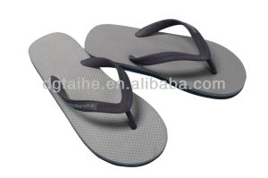 2015 Colorful Rubber Sole with PVC Sandals pictures & photos