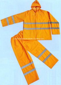 2PCS PVC Rainsuit with Reflective Tapes R9094 pictures & photos