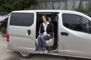 Swivel Van Seat for The Old and The Disabled for Van Loading 120kg pictures & photos