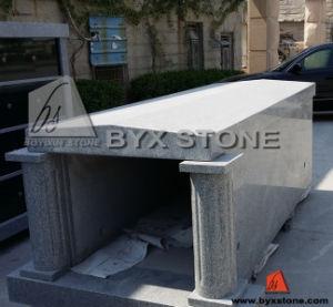 Granite Single Crypt Mausoleum with Round Columns pictures & photos