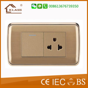5V 2.1A Us USB Wall Socket and Plug pictures & photos